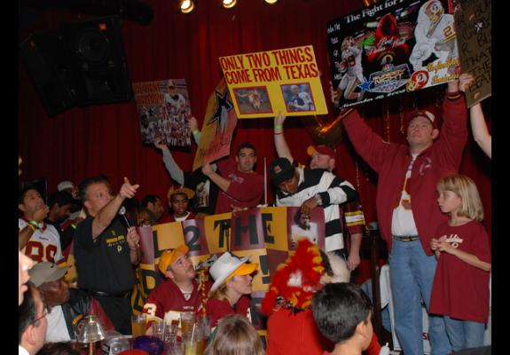 "Nov. 14, 2008: ""We Want Dallas"" pep rally, Dave & Busters, Rockville, MD"